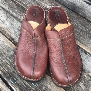 Born, tan leather mules size 10